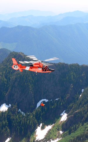 Helicopter rescue of a climber in Washington's Olympic Mountain Range